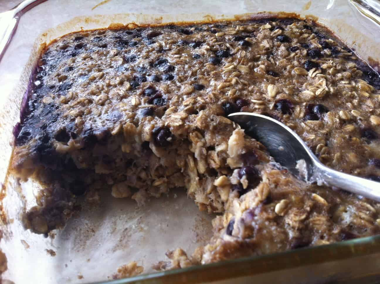 Baked Blueberry and Banana Oatmeal: