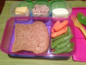 #NutritionMonth : Top 5 Nutrition Tips For Working Moms