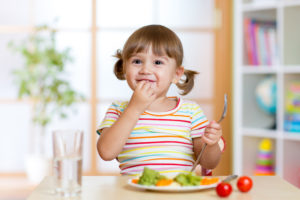 The 3-Step Strategy to Help Your Wiggly Kid Sit Still at Meals
