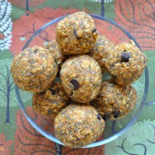 Chocolate Chip Pumpkin Spice Energy Bites