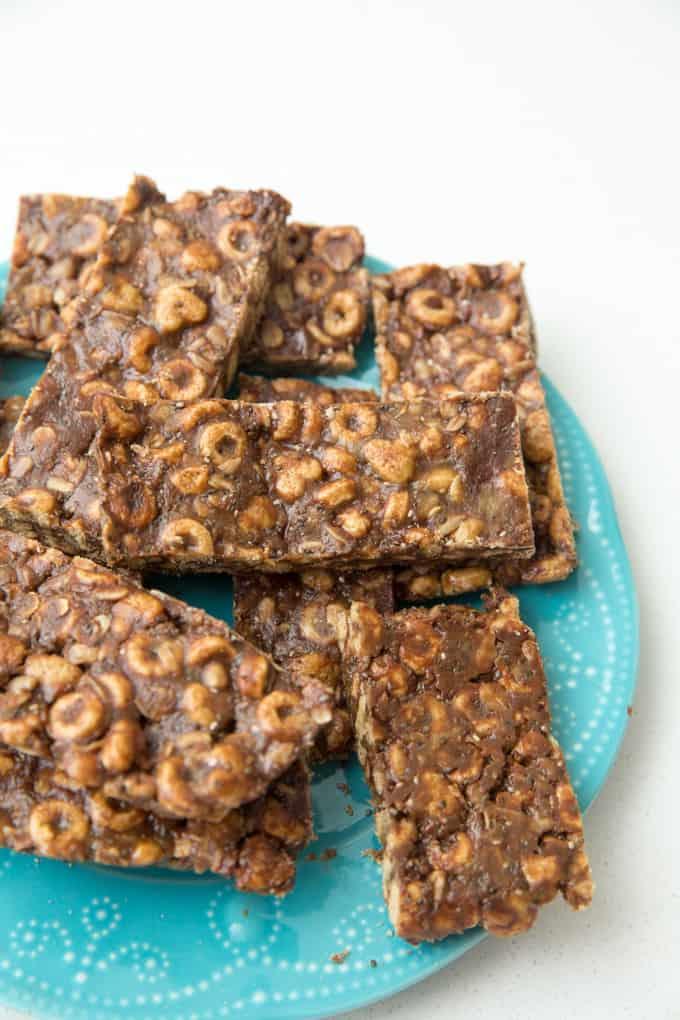 chocolate whole grain snack bars no bake school safe