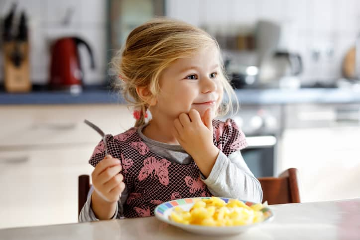getting your child to sit still at meals