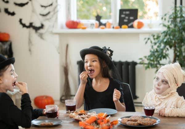 10 Healthy Homemade Halloween Treats For Kids!